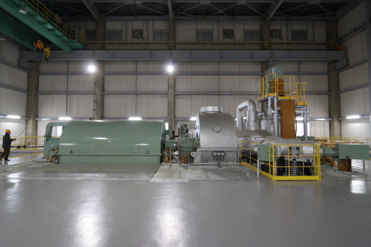 The 50MW-class steam turbine and the power generator.